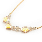 Necklace_Parel_Yellow1.jpg